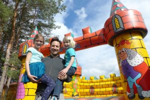 Luftburg mieten für den Garten: Kolariks Leih-Hüpfburg im Test