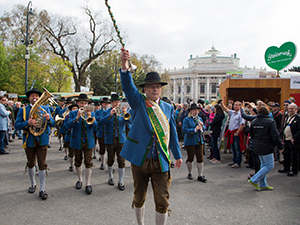 steiermarkdorf 2019, rathausplatz, musikkapelle, tradition, blasmusik