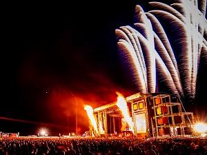 red stage, nova rock, feuerwerk, pyro-show