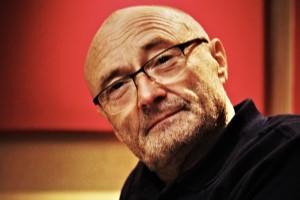 Phil Collins, Brille, Poloshirt, Studio