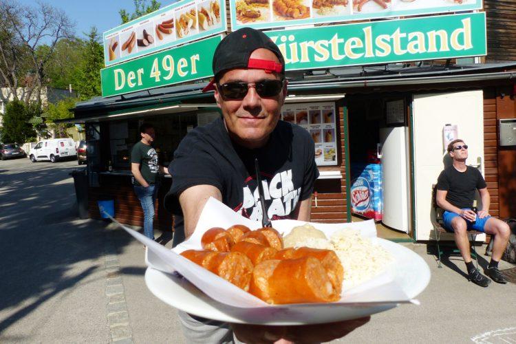 Wiener Würstelstände im Test: 6 urige Tipps für Kenner!