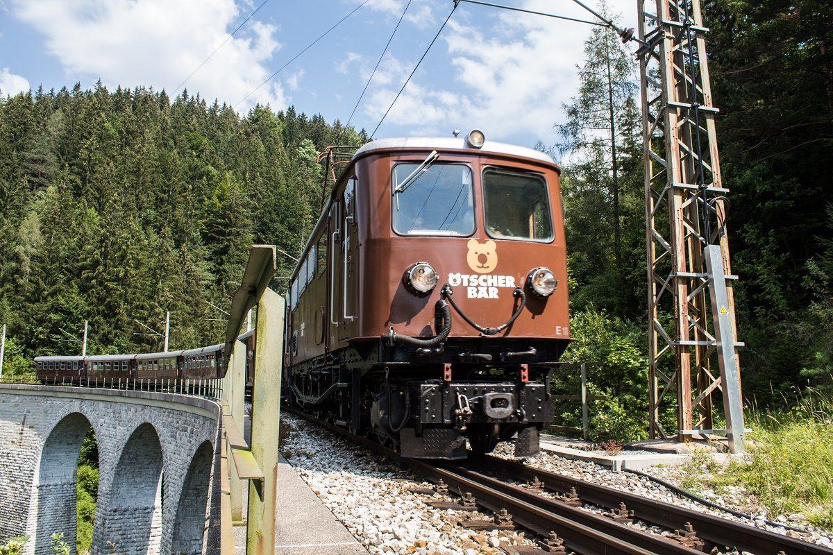 Ötscherbär: Gewinn Fahrt für 2 mit ältester Schmalspur-E-Lok der Welt