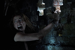 crawl, horrorfilm, mädchen, kaya scodelario, krokodil, film, august, 2019, hurrikan, flut, wasser, kino