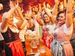 oktoberfest, niederösterreich, die atzen, party