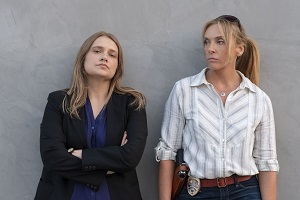 Merritt Wever, Toni Collette, unbelievable, netflix-serie, true crime, ermittlerinnen, detectives, cops