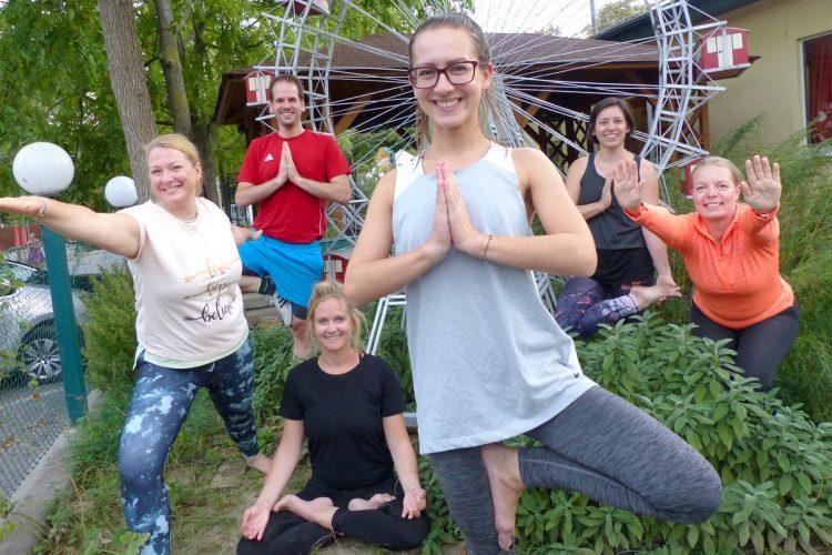 Yoga im Prater im Test: Ein Ort der Ruhe am Rummelplatz