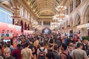 game city, videospielmesse, rathaus wien, menschen, nintendo stand,