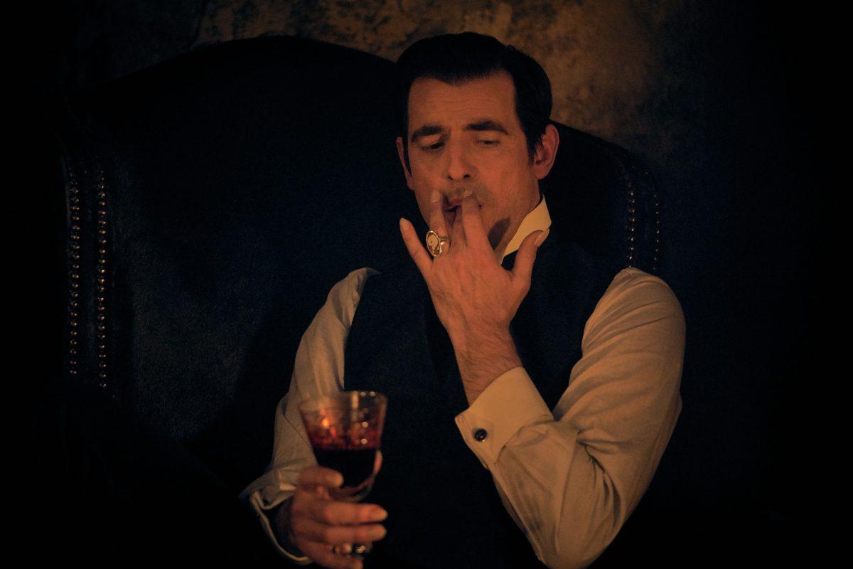 Netflix-Serie Dracula: Bissiger Humor mit zahnlosem Finale