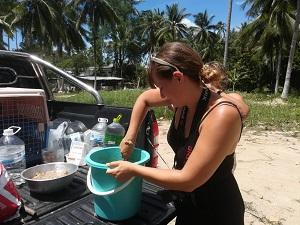 jaqueline bormann, helden der freizeit, hundefutter mischen, thailand, koh samui