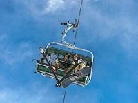 hochkar, sessellift, skifahrer, snowboarder, blauer Himmel