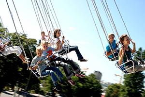Kinder, Kettenkarussell, Freizeitmöglichkeit
