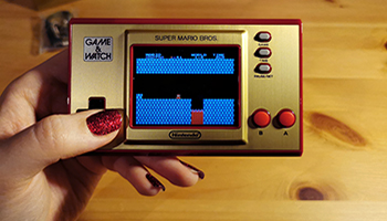 game & watch: super mario bros. test, review, trailer, close up,