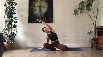 Yoga daheim mit Sandra König