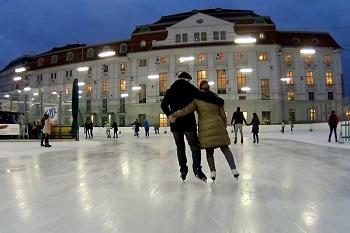 Eislaufen beim Wiener Eislaufverein