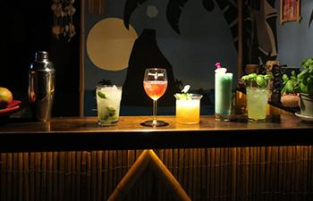 silvester feiern zuhause, cocktails, selbst gemacht