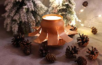 weihnachtslicht, bierdose, acrylfarbe