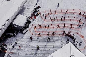 Semmering Skifahren am Hirschenkogel, COVID-Maßnahmen, Warteschlange, Talstation