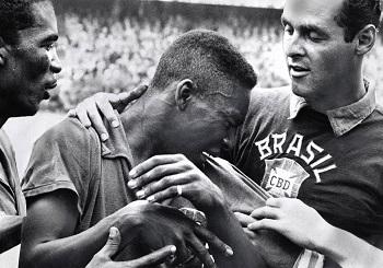 Pelé Film zeigt ihn auch als FC Santos Spieler