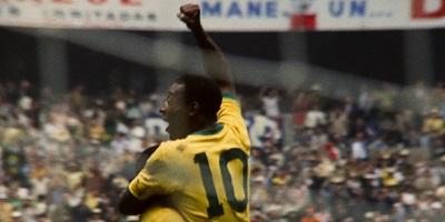 Pelé jubelt über sein WM-Tor 1970