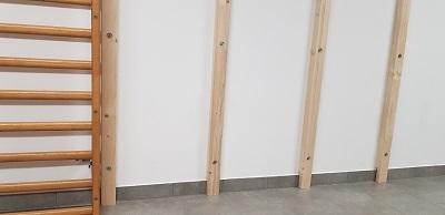 holzstaffeln für eine kletterwand, keller, Wandbefestigung