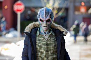 Resident Alien Kritik – Spaßige SciFi-Serie mit bekannter Formel