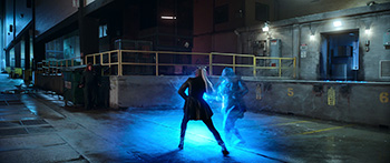 superhelden film, emily kämpft gegen laser, Melissa McCarthy und Pom Klementieff
