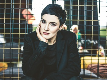 ina regen, musik, austropop, neue musik aus österreih, starmania jury, rot, neues album