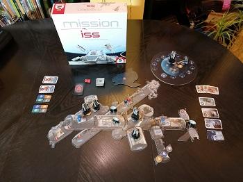 Mission ISS Manage the Station, Brettspiel aufgebaut auf Tisch