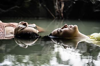 nur die halbe geschichte, half of it, mädchen, wasser, romantisch, schwimmen