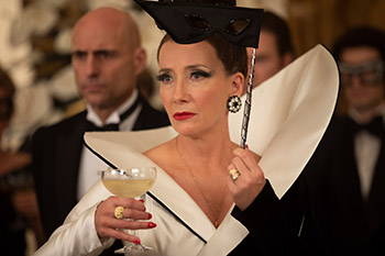 emma thompson, cruella, baroness, 101 dalmatiner, film,kritik