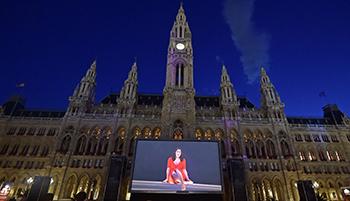 film festival, rathausplatz, leinwand, open-air, outdoor, programm,