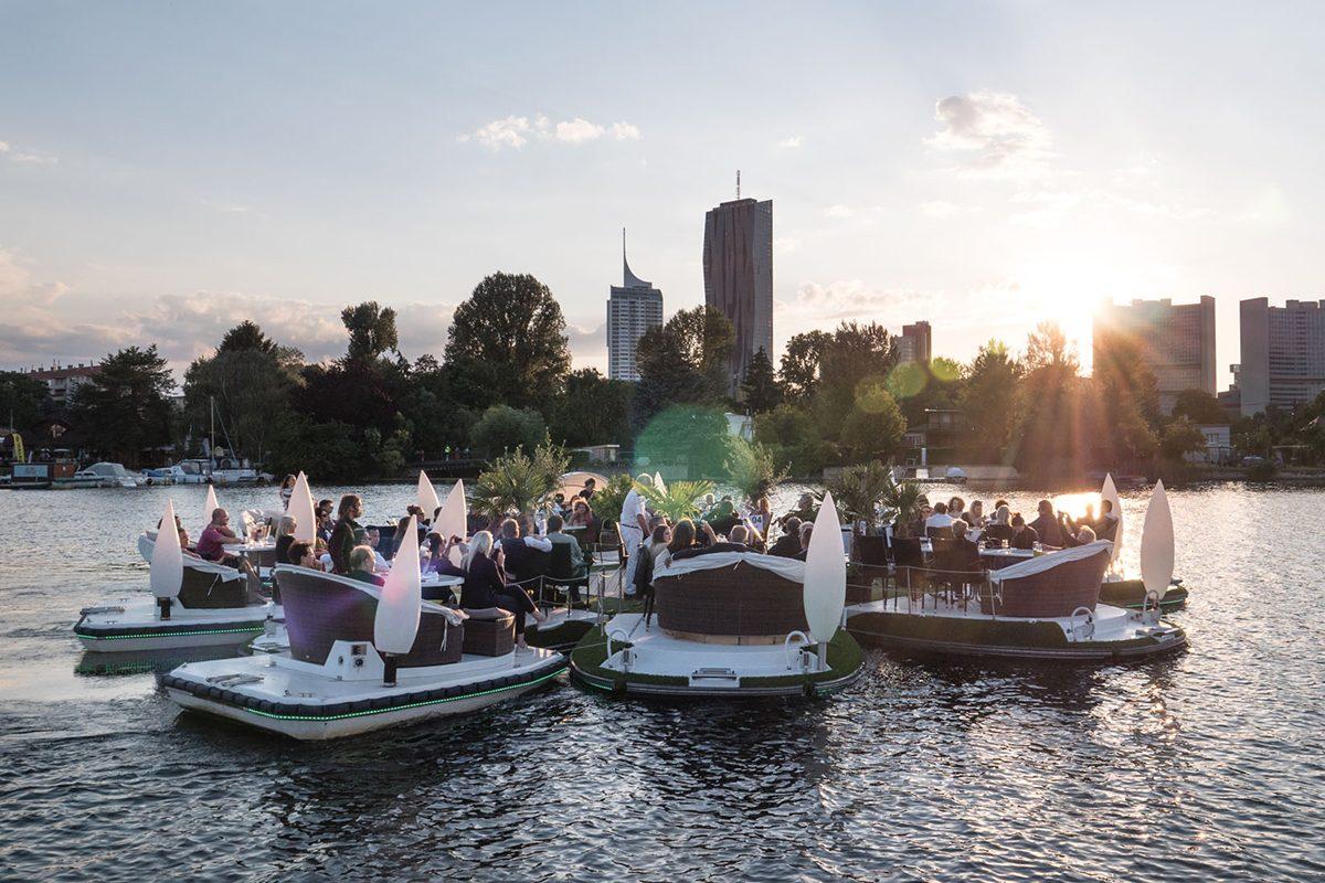 Floating Concerts: Per Insel-Boot Alte Donau Konzerte erleben!