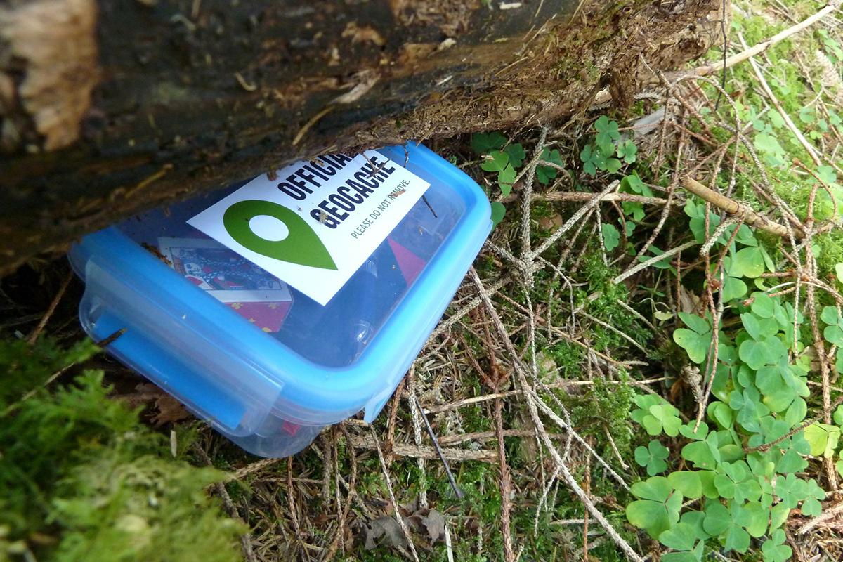 Geocaching Guide: Was Anfänger zur Schatzsuche 2.0 wissen müssen