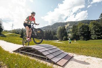Mini-Bikepark, Annaberger Lufte, Rampe, Radfahrerin